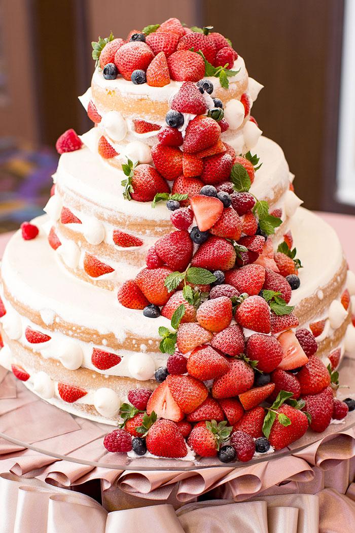 ウエディングケーキ苺