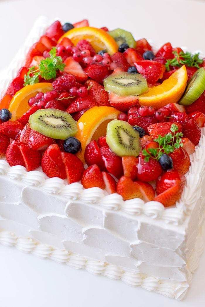 ウエディングケーキ フルーツ